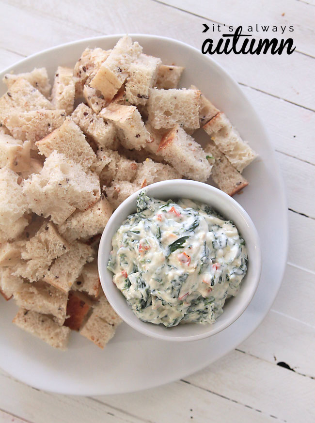 this skinny spinach dip recipe has just a quarter of the calories of the original, but still tastes great!