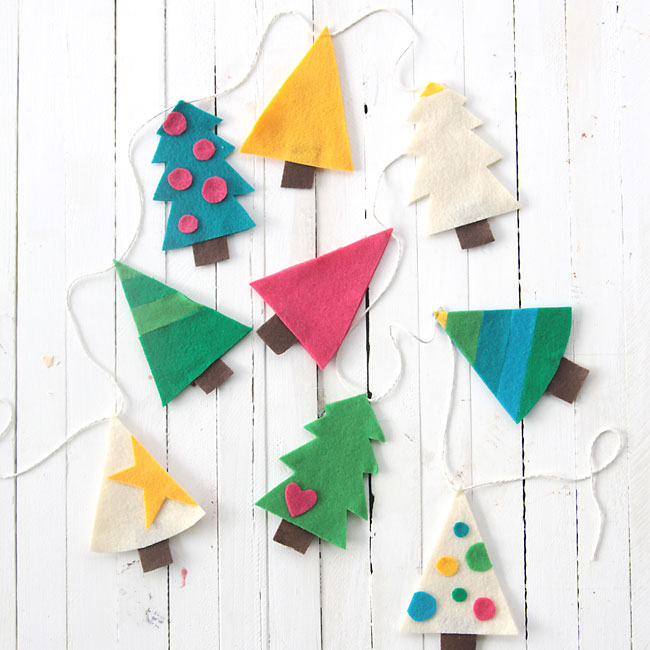 cute Christmas tree garland - Land of Nod knockoff - easy DIY holiday decoration
