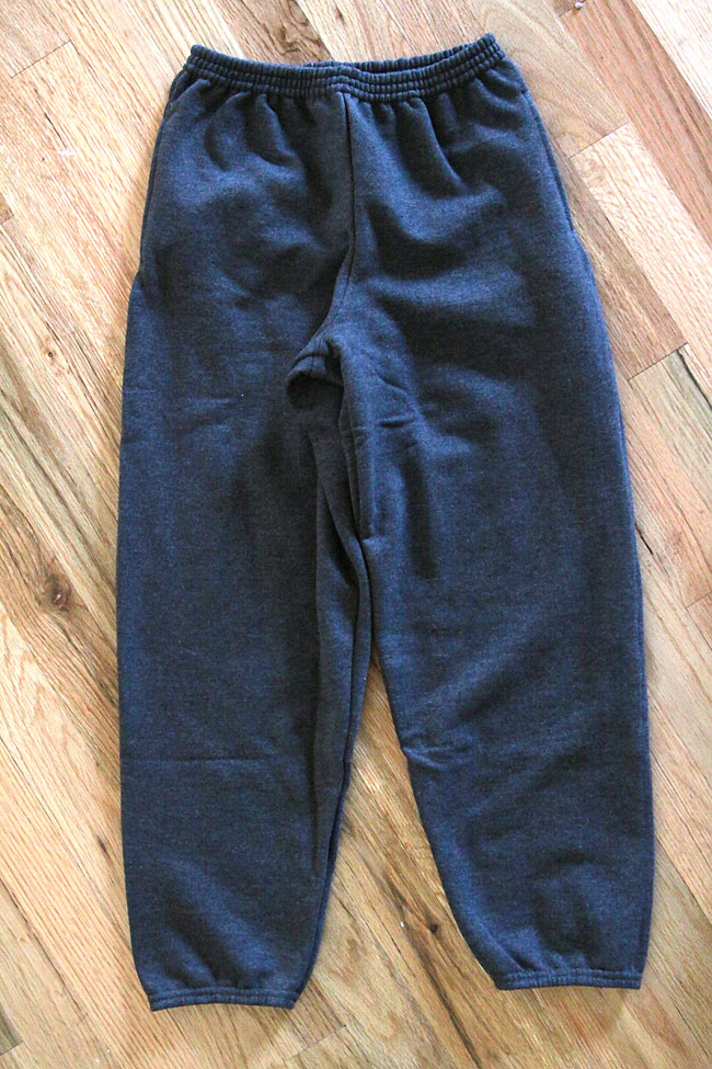 update old, slouchy sweatpants and turn them into on-trend skinny sweats. easy sewing tutorial.