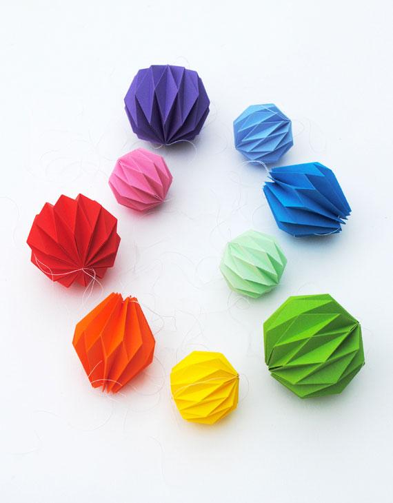 Cool origami accordian balls