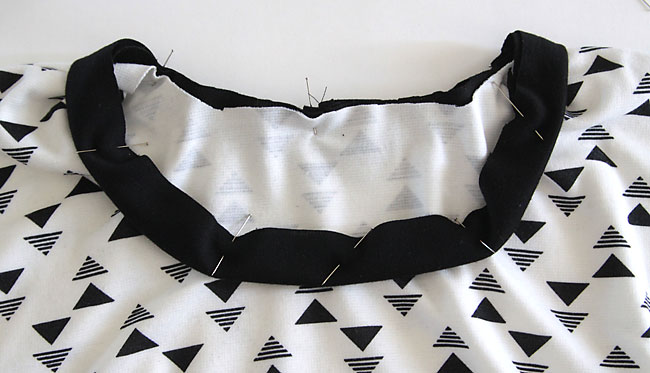 neckbinding pinned into t-shirt neckline