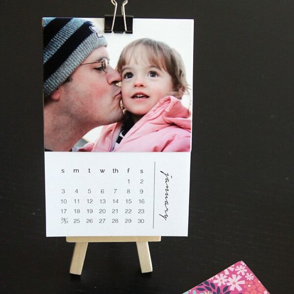 Mini calendar with a photo of a girl and her dad