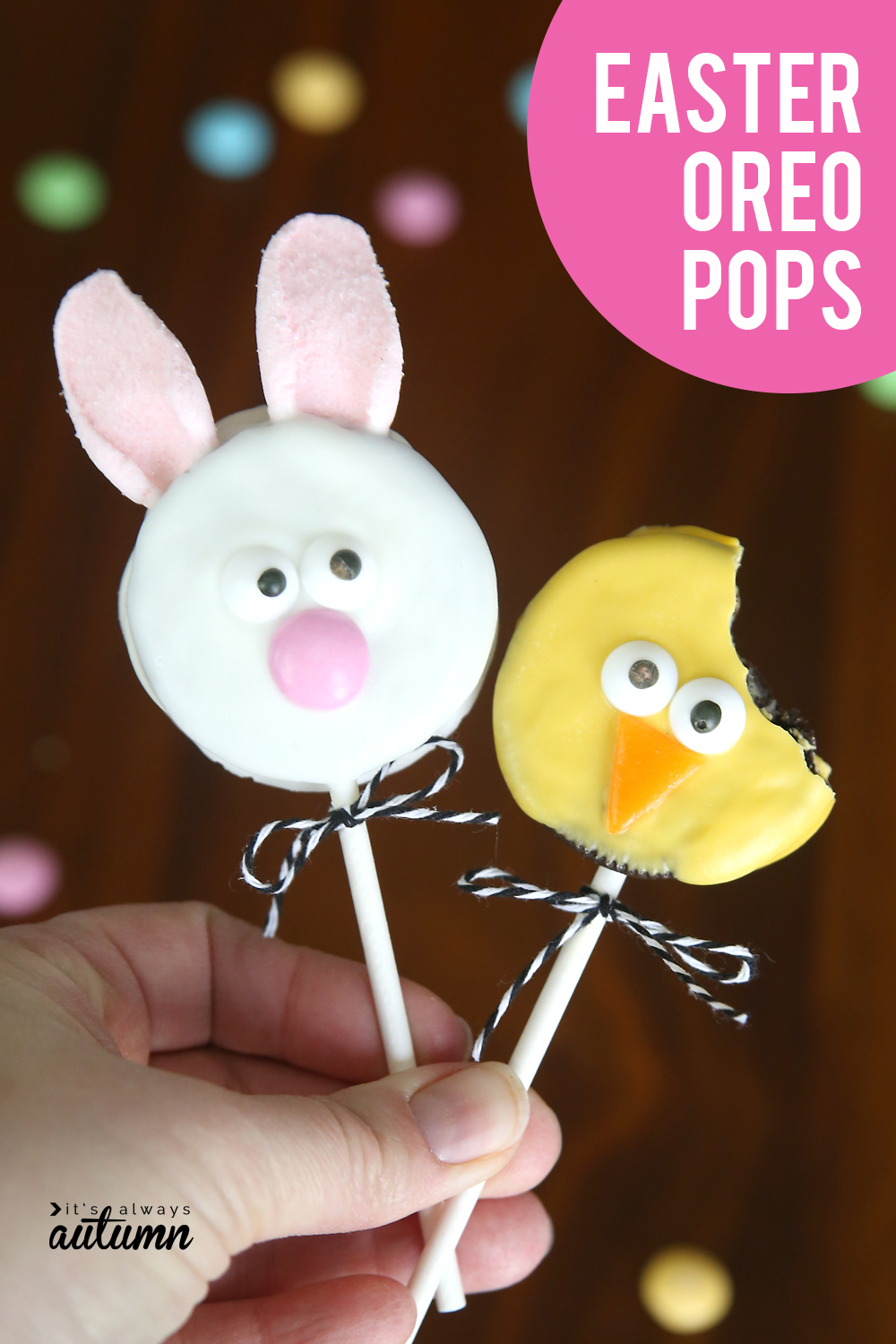 Easter Oreo pops! These chick and bunny Oreo pops are the perfect easy treat for Easter.