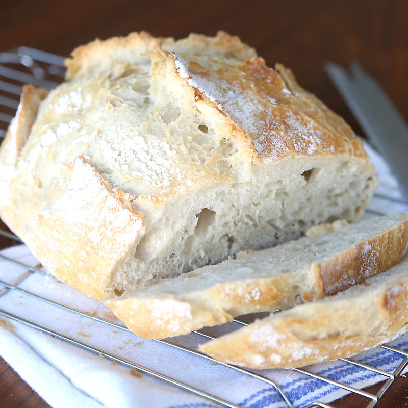 Crazy easy homemade artisan bread {only 4 ingredients!}
