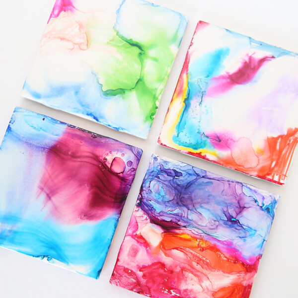 Easy kids art project: colorful marbled tiles