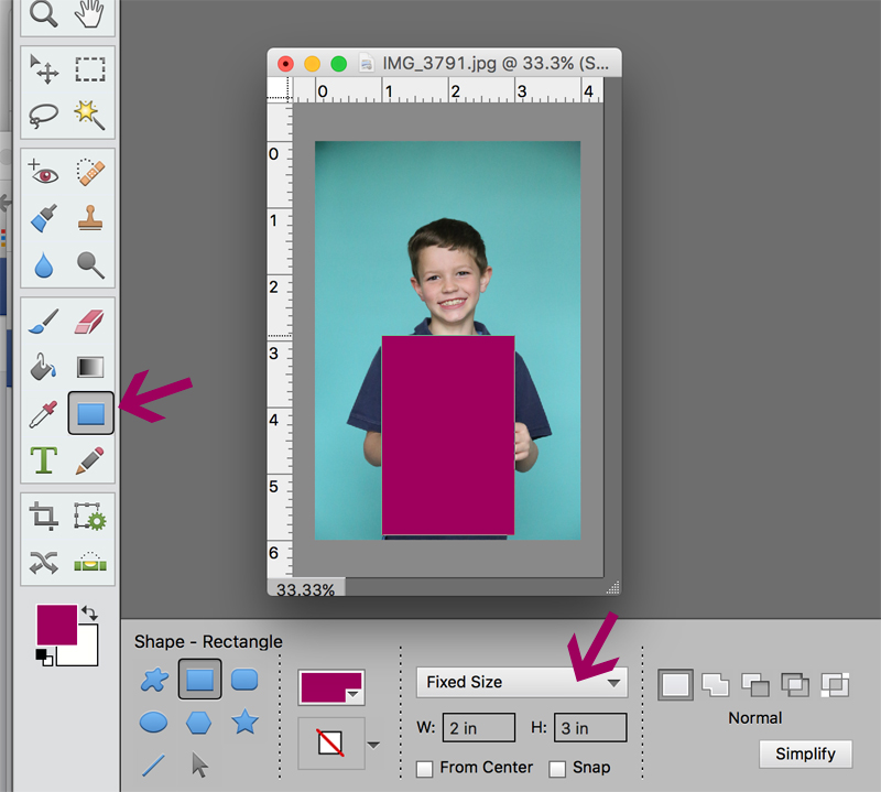 This is so cute! How to make a photo gift card holder for teacher appreciation - make it look like your child is holding a giant gift card!