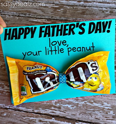 Father\'s Day card with package of peanut M&Ms tied in the middle to look like a bowtie