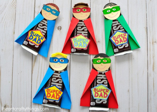 Superhero Dad candy bars - Fathers Days cards kids can make