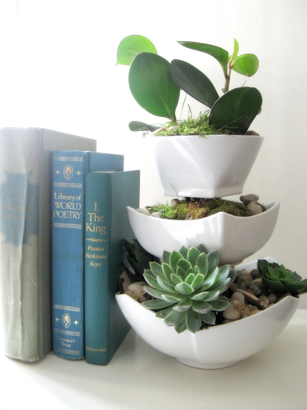 Cheap homemade gift idea: three tiered succulent planter