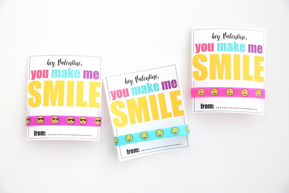 Emoji Valentine\'s day cards with bracelets