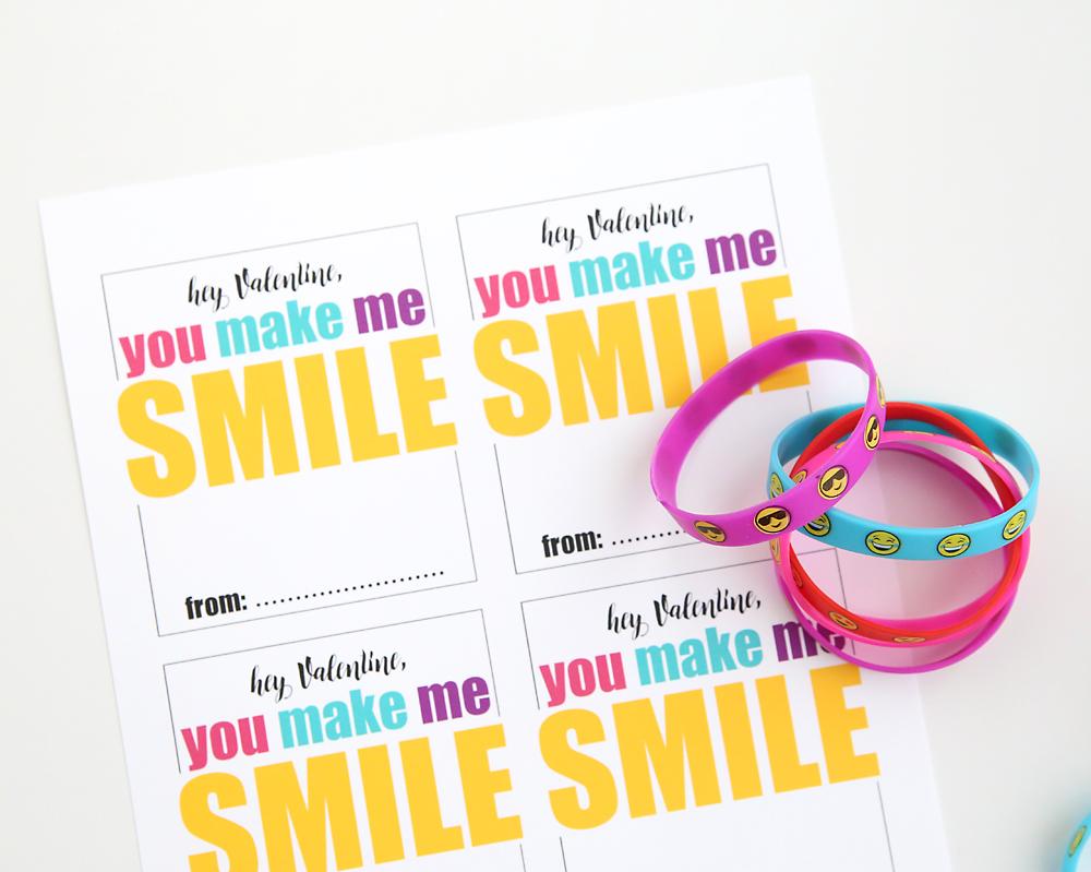 Colorful emoji bracelets and printable Valentine\'s Day cards