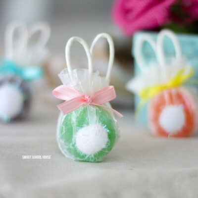 Lollipops decorated to look like bunnies