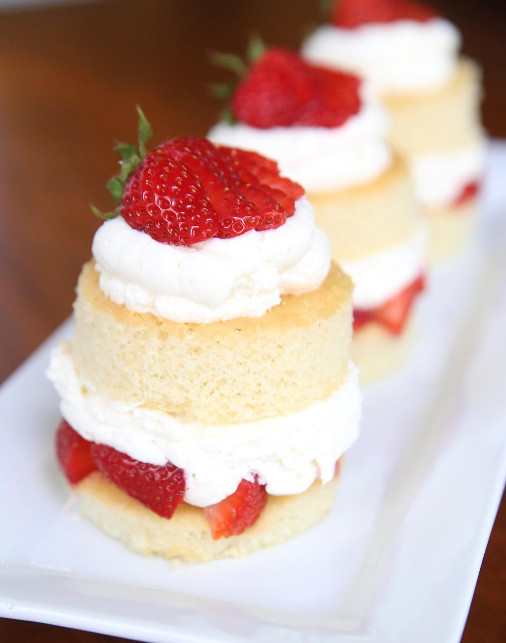 Strawberry shortcake, layers of cake, strawberries and white chocolate cream