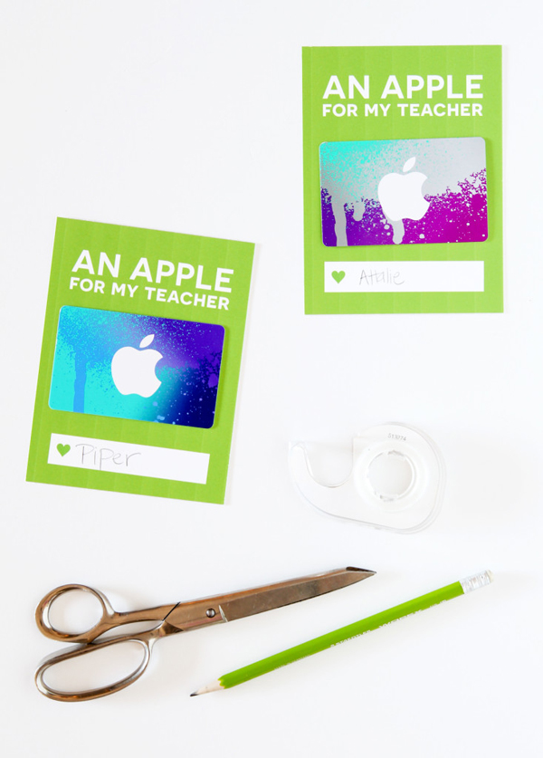 Gift card holders that say an apple for my teacher