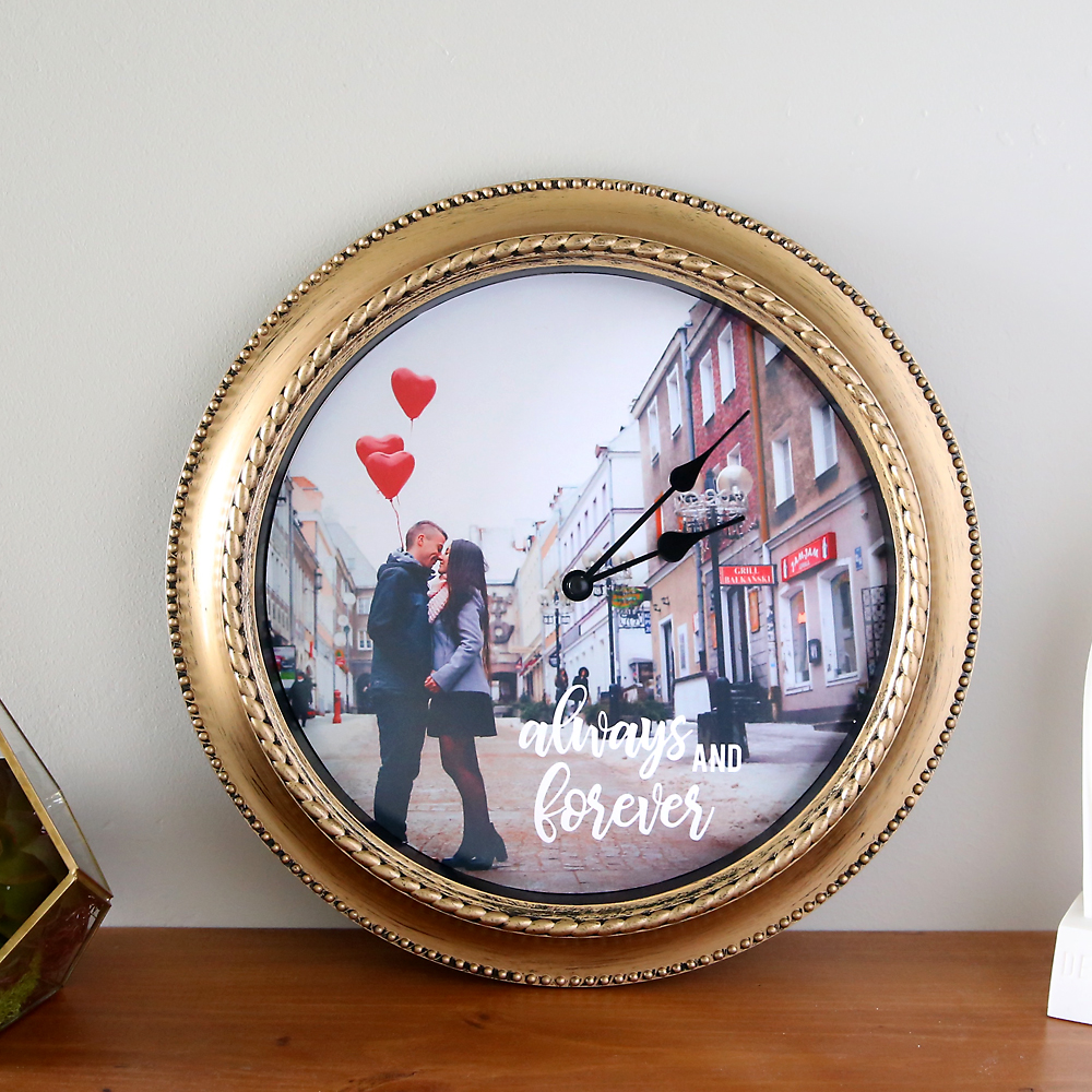 how to make a DIY personalized photo clock