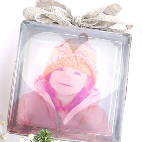 This is the absolute easiest photo transfer to glass technique ever! Print, peel + stick! Makes a great DIY Christmas gift.