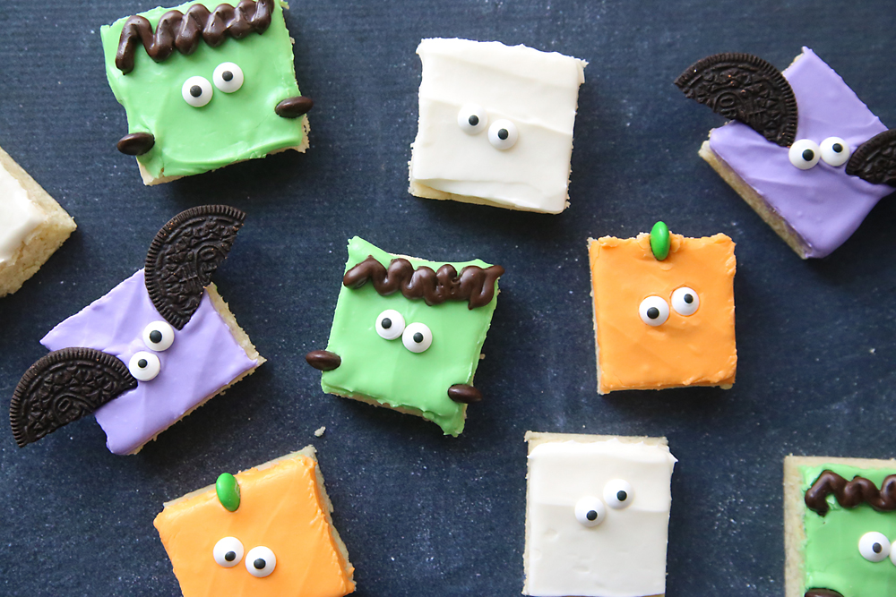 These Halloween cookie bars are so easy to make! Much faster than rolling and cutting sugar cookies. Easy to decorate, too!