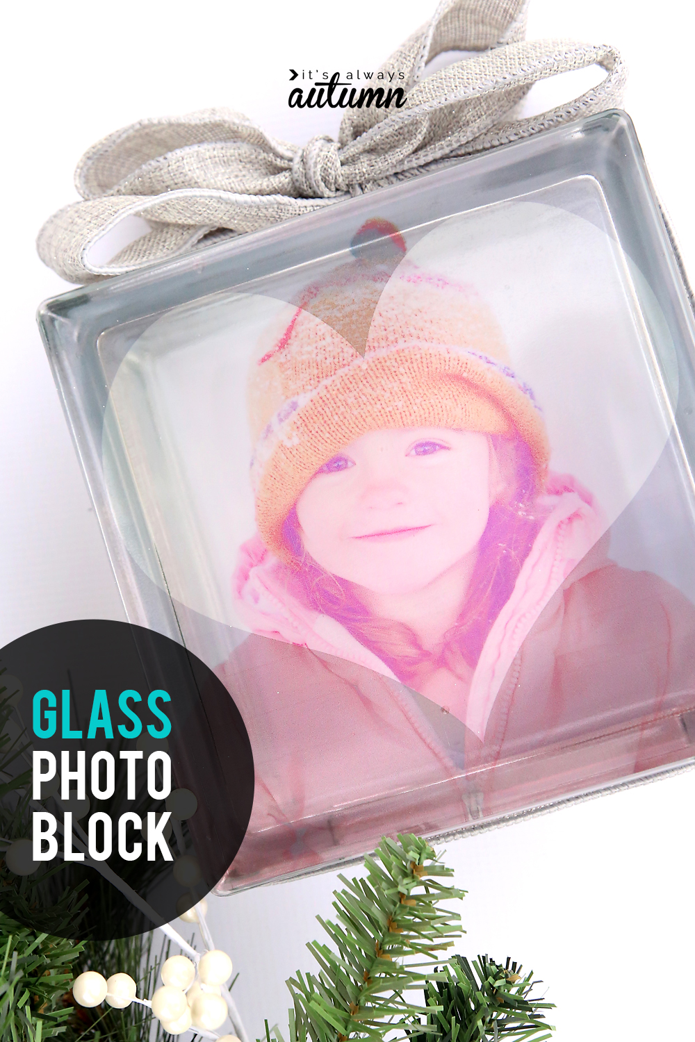 Learn how to make a beautiful glass photo block in 10 minutes! Click through for easy instructions.