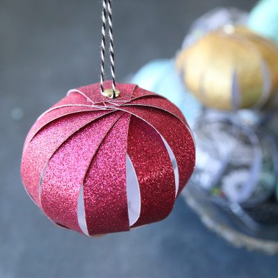 Easy paper strip Christmas ornaments kids can make!