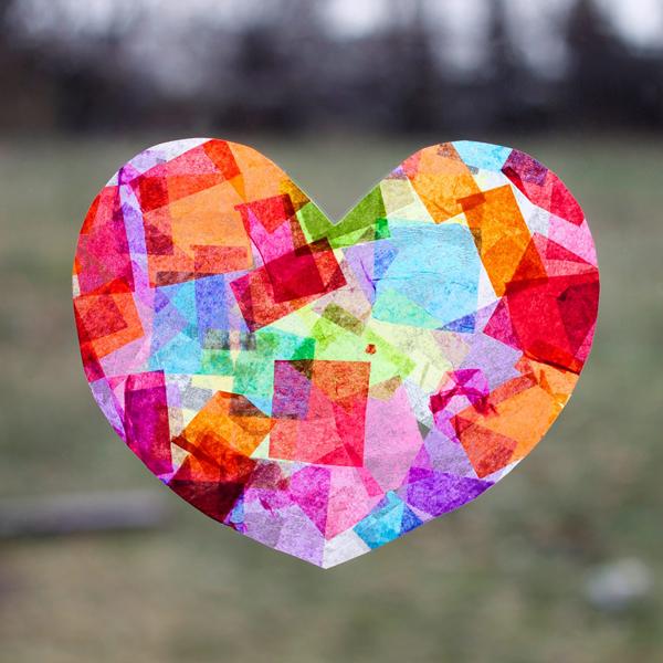 Easy kid\'s craft heart shaped paper suncatcher