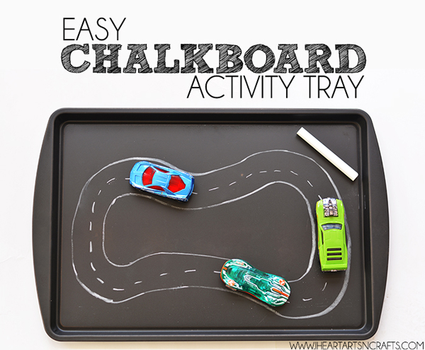 DIY chalkboard activity tray | Best ideas for road trips with kids