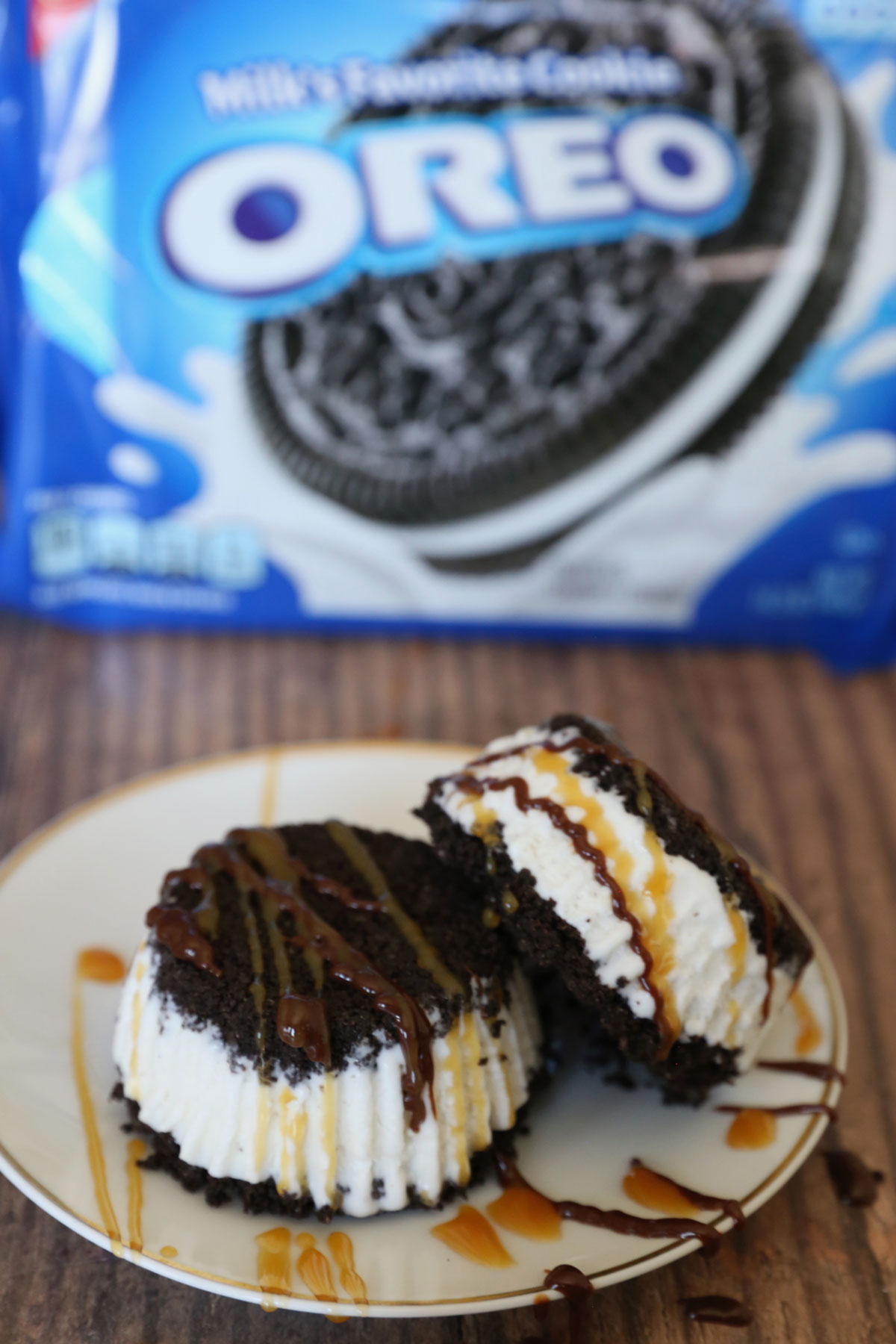 Oreo Ice Cream Sandwiches are the BEST homemade dessert!