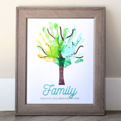 Make an adorable family handprint tree {great gift idea}