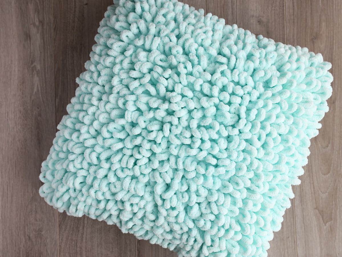 DIY loop yarn throw pillow
