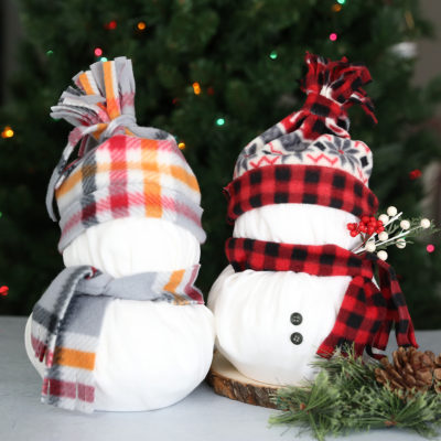 Toilet Paper Snowmen {Easy Christmas Craft}