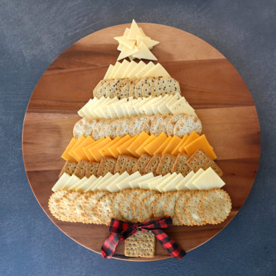 Christmas Tree Cheese Board {easy holiday appetizer}