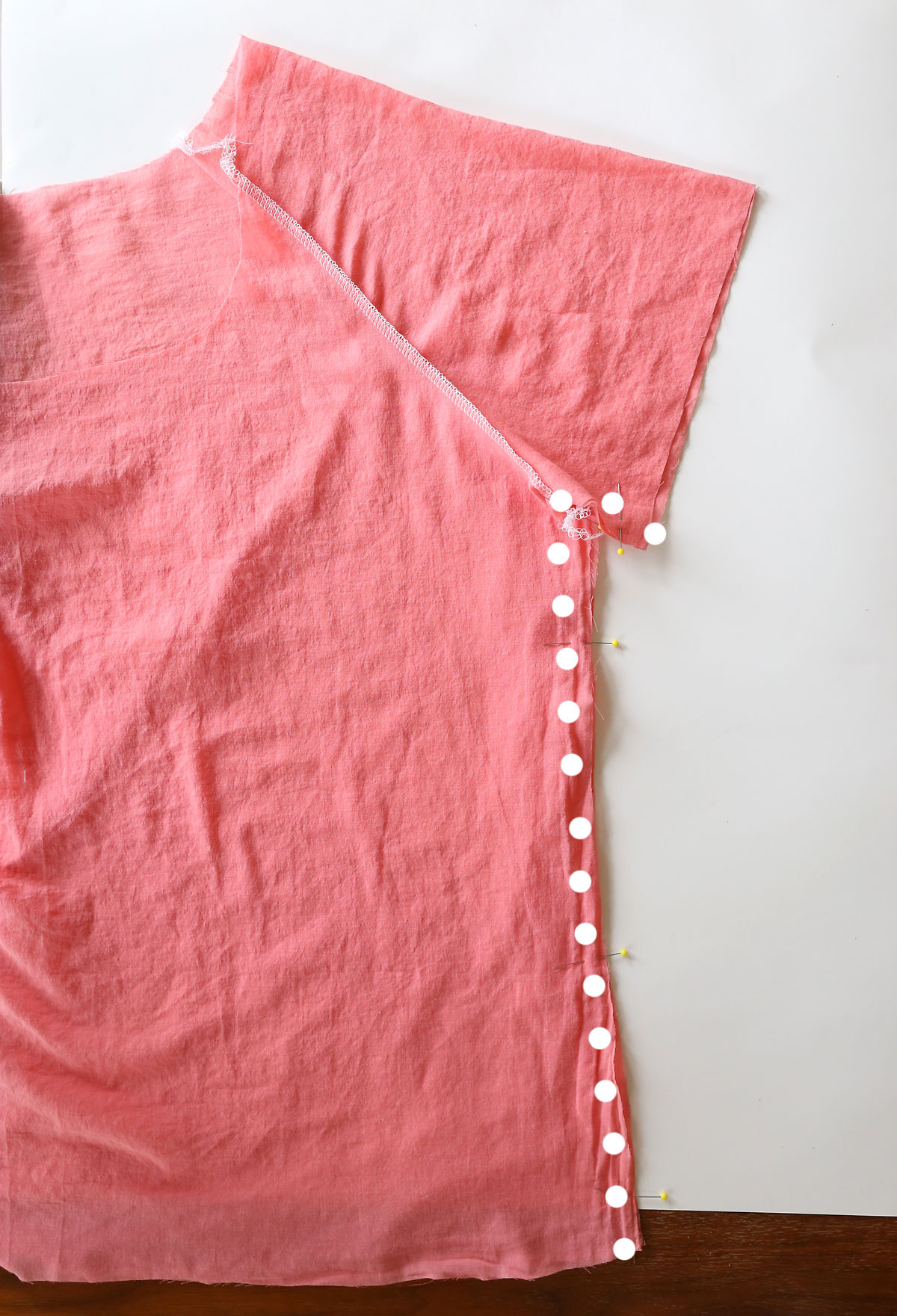 Gathered blouse: sew the side seams