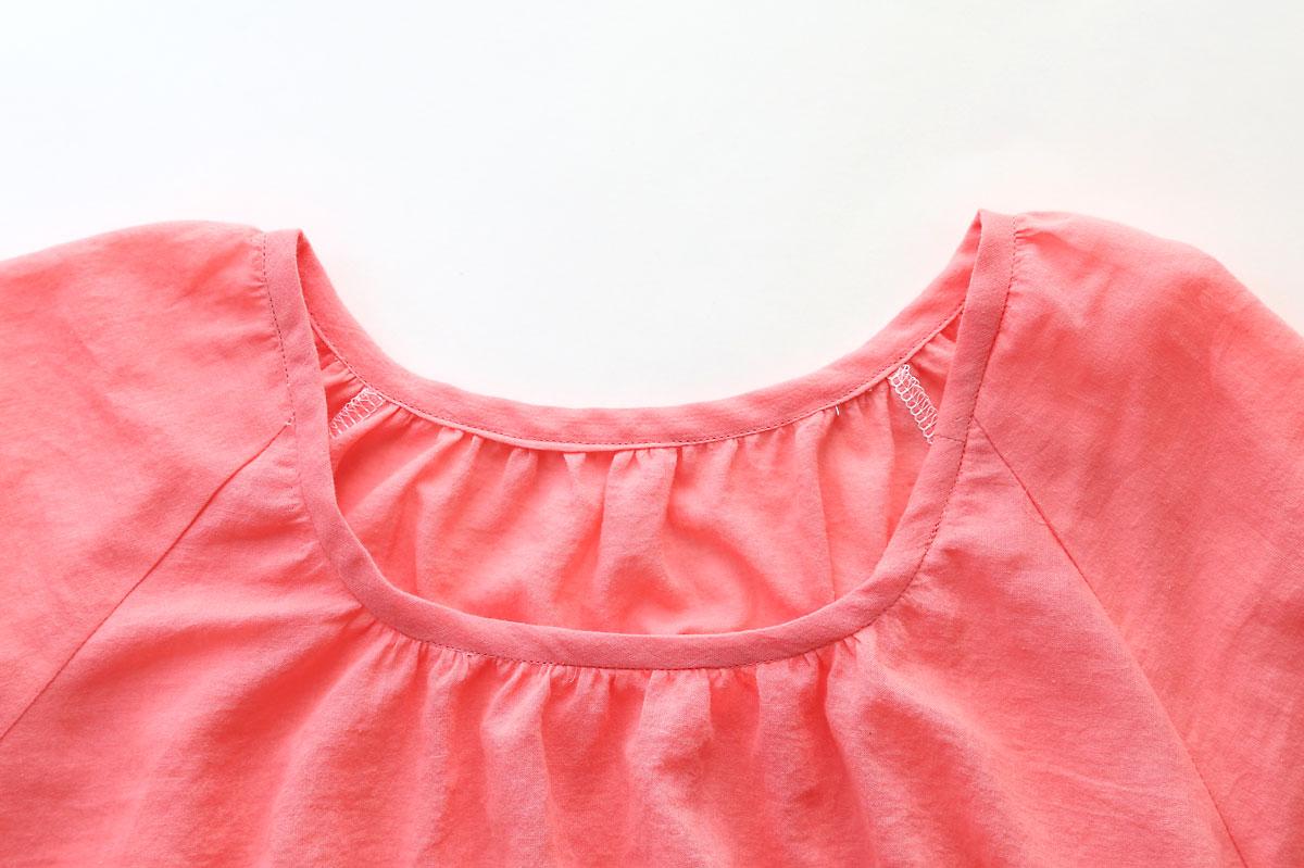 Gathered blouse: bias bound neckline