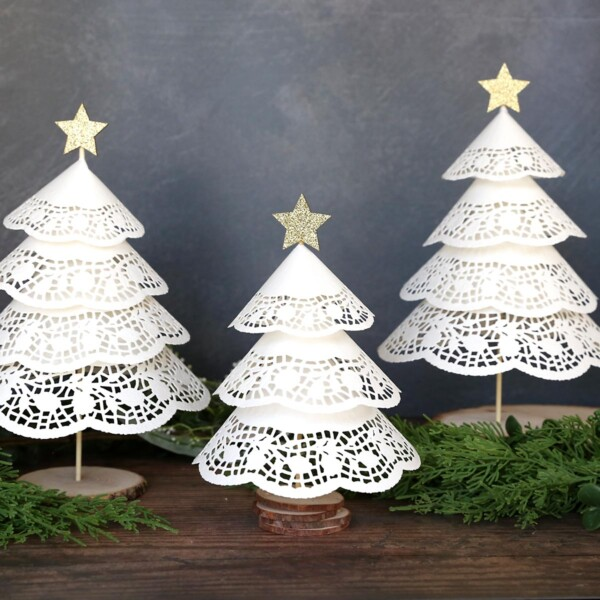 Paper doily Christmas trees are an easy Christmas craft
