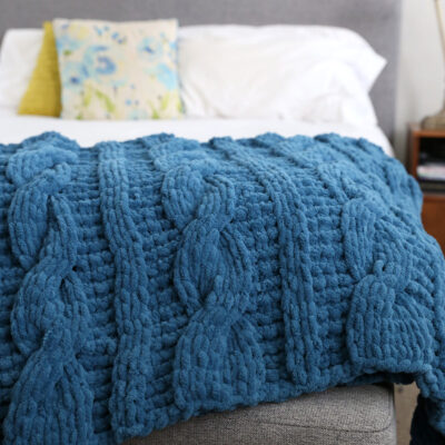 How to Make a CHUNKY Cable Knit Blanket with Loop Yarn