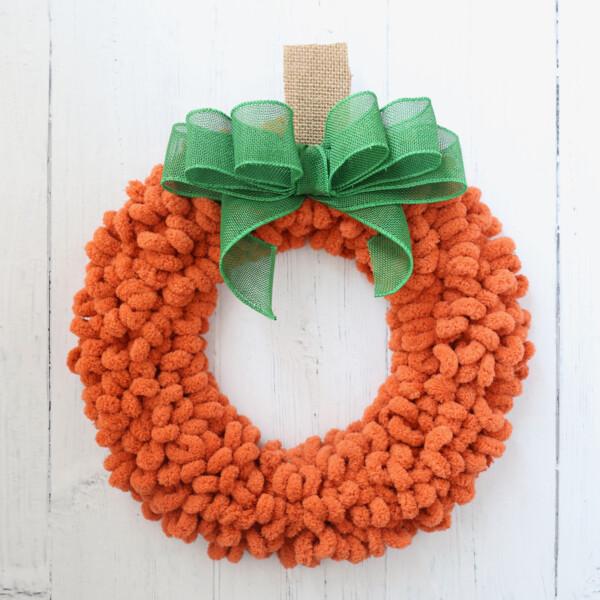 Pumpkin loop yarn wreath