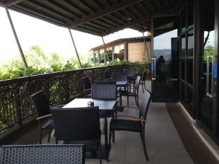 Another shot at the verandah tables setup