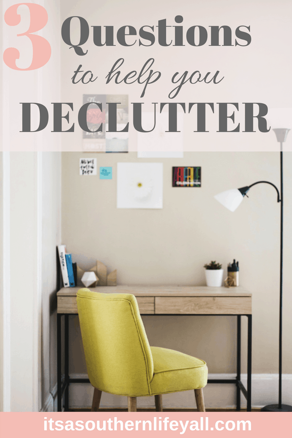 Uncluttered desk and wall showing very tidy space - Stop Using Alt Tags for Pinterest Pin Descriptions