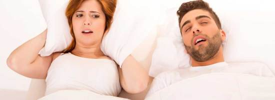 snoring-couple1