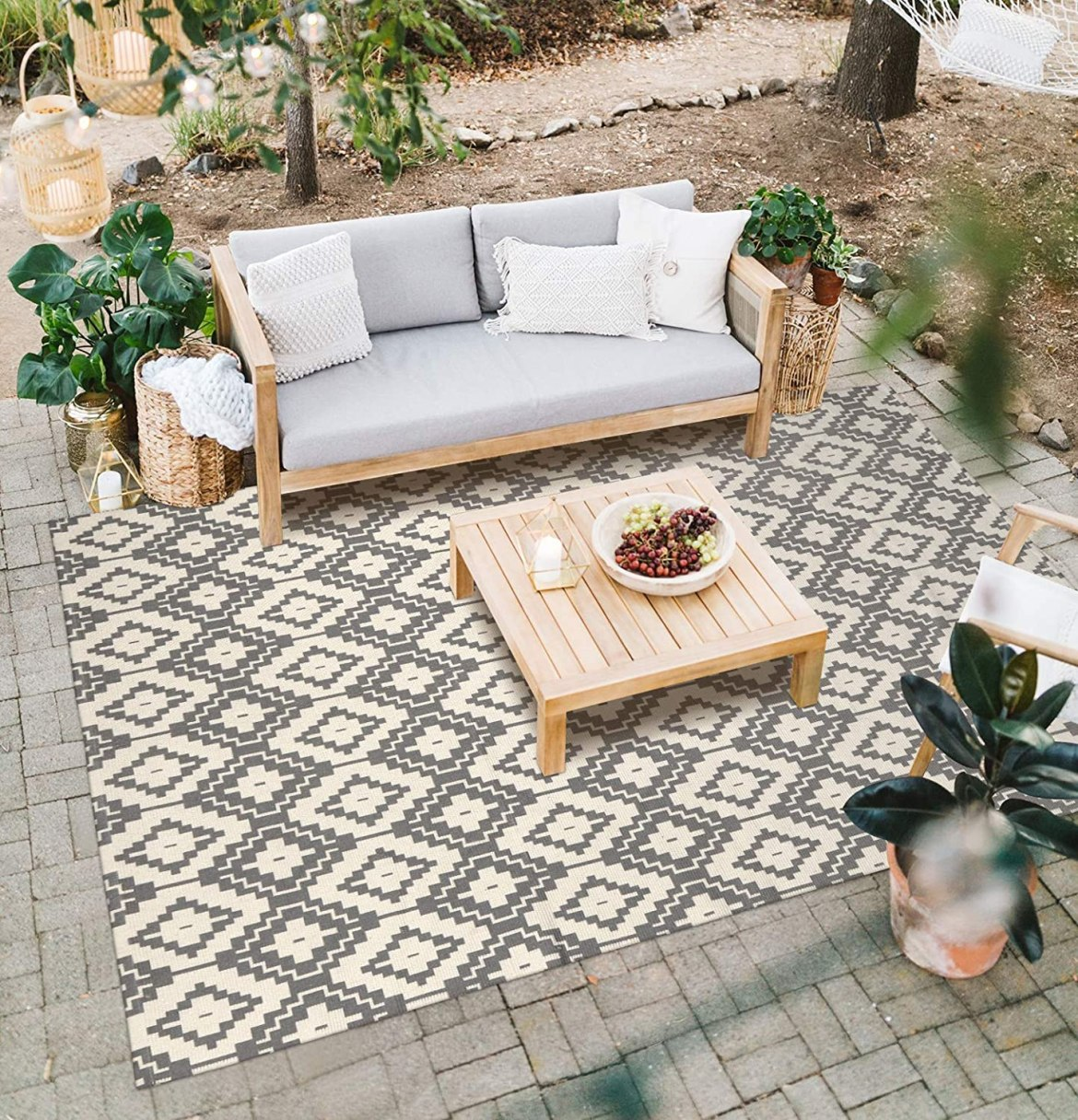 geometric outdoor rug