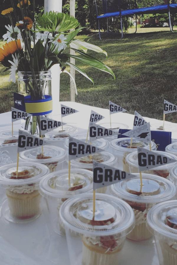 grad party decorations