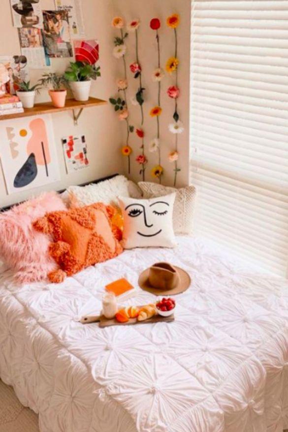 girls dorm room decor