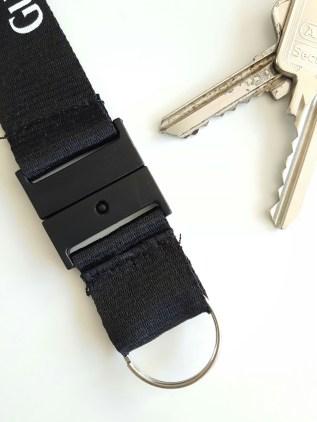 Schlüsselband-Clip an Schlüsselring genäht