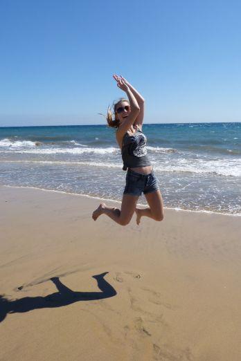 gran-canaria-maspalomas-beach-jump