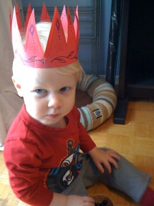 E in his royal crafty crown