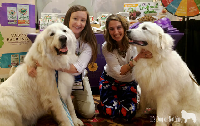 Mauja and Atka fell in love with the Wellness girls.