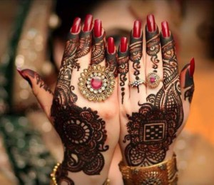 Ideas to convert Beautiful Mehndi Designs to Business