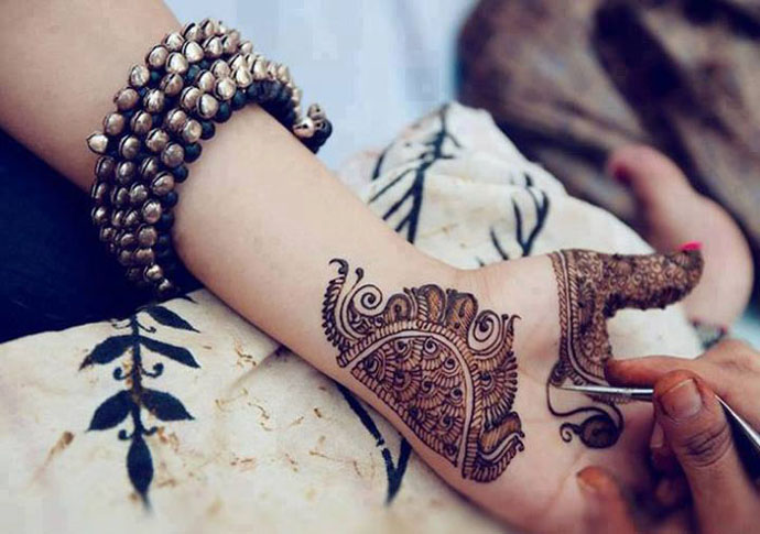 Eid-Ul-Fitr-Chaand-Raat-Mehndi-Designs-2015-For-Girls-Women-