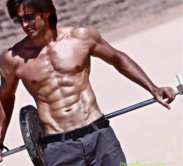 Hrithik-Roshan-Body-Krrish-3-Wallpapers