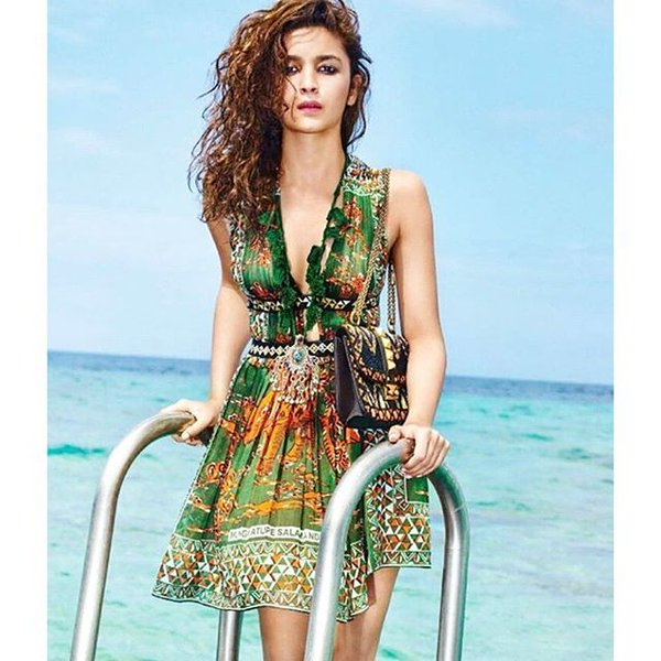 Alia bhatt in beach dress