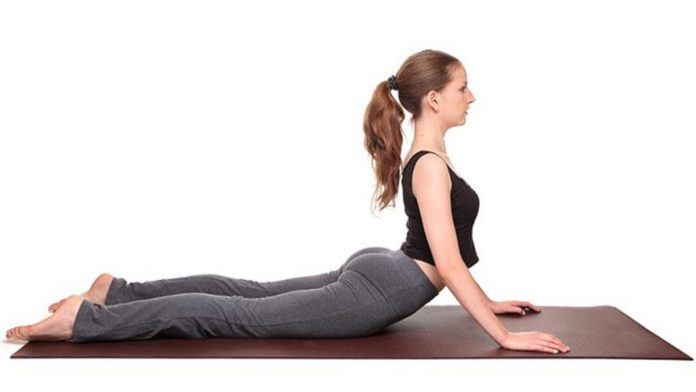 cobra pose bhujangasana to reduce belly fat